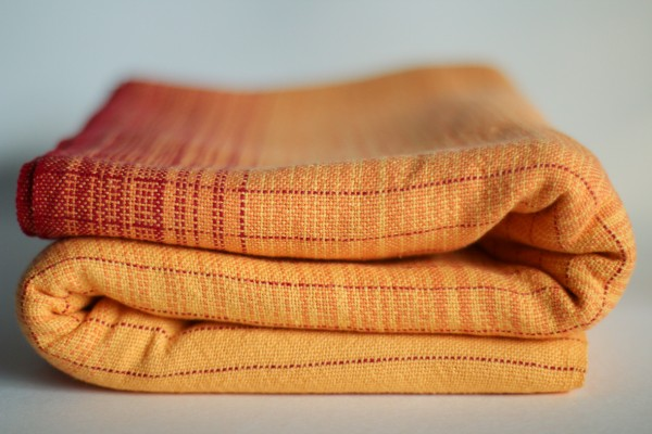 Saffron, Linen, 4.2m, Red grad pin MM and tail.(3)_