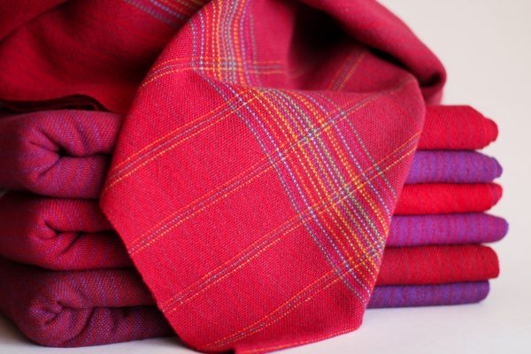 Cotton 4.8m Tri Pins MM Raspberry Weft